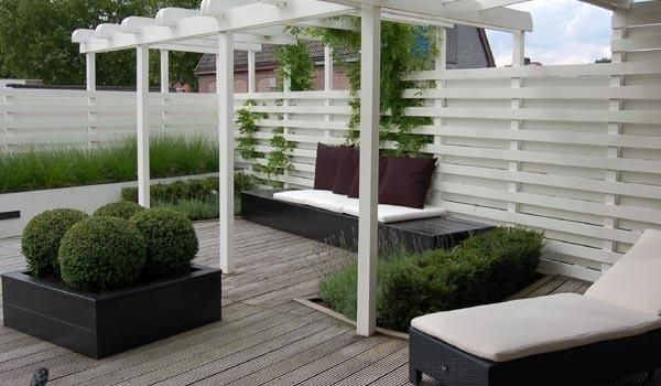 contemporary pergola - fabulous palette for the garden - white grey and charcoal black