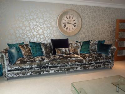 The decor doesn 39 t do it for me but the silver crushed for Tela sofa exterior