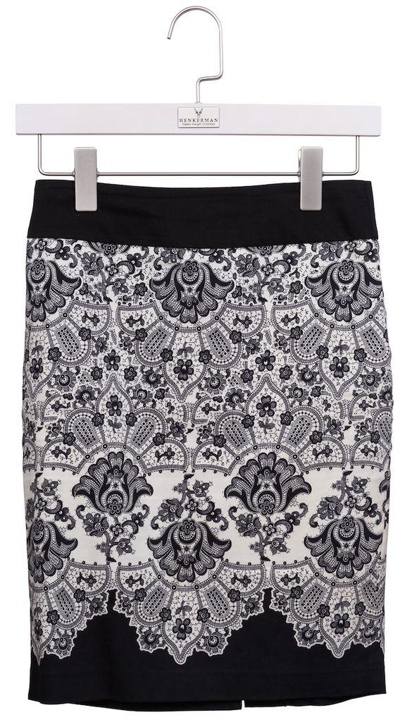 #06. Women's Classic Individual Pant/Skirt Hanger #$16.00