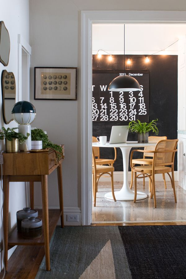 This Modern Entryway And Dining Room Are Awesome. Love That Saarinen Table  And The Cane