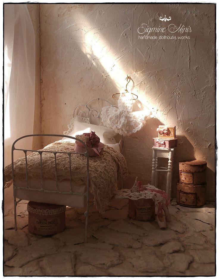 miniature bedroom for little girl :o)