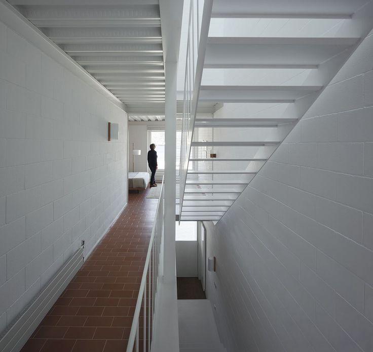 Ferrater-.-Martí-.-Casa-Frente-al-Mar-.-Port-de-la-Selva-7.jpg (1200×1136)