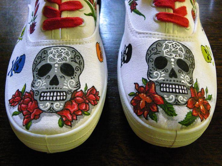 Zapatillas pintadas a mano Diseño Calaveras y Rosas