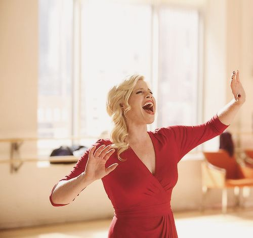 Happy Birthday to Megan Hilty- a huge inspiration to me and theatre girls everywhere!!!! She is awesome!!!