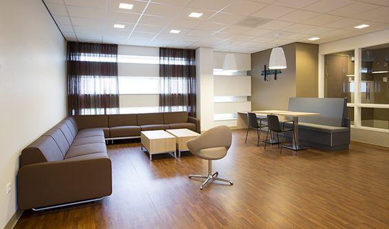 Realisatie Bernhoven, Uden. Lande Projects heeft een aantal zones mogen inrichten in het gloednieuwe ziekenhuis te Uden.