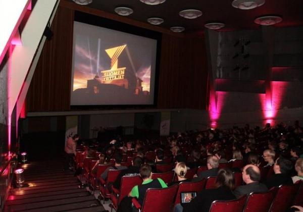 Nuorten yrittäjien valtakunnallinen verkostoitumistapahtuma Hot Spot 2012 Helsingissä