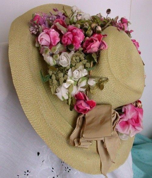Straw hat decorated with flowers hats pinterest - Decoracion de sombreros ...