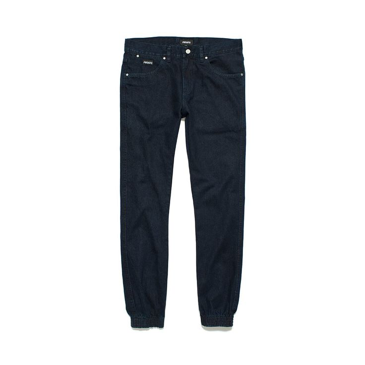 Spodnie Jeansowe SLIM JOGGER DARK BLUE Spodnie jeansowe skrojone w stylu 'slim'. Ściągacze w nogawkach. Metka Prosto na kieszonce.