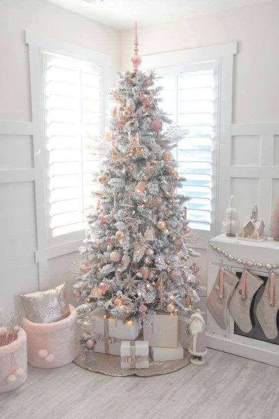 Albero Di Natale Bianco.Albero Di Natale Bianco Christmas Alberi Di Natale Bianchi