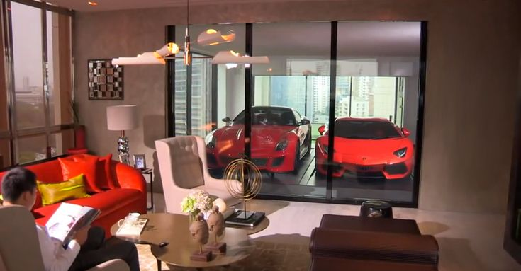Luxury Apartments in Singapore Have Their Own Sky Garages (8 pictures, video)