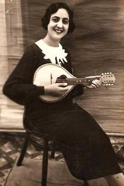 ليديا عكاوي؛ مطربة في الإذاعة الفلسطينية فلسطين قبل ١٩٤٨ - Lydia Akkaoui; singer in the Palestinian Broadcasting Radio Palestine Before 1948