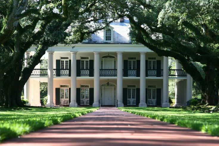 Oak alley plantation 6 the old south plantations homes for Southern homes louisiana