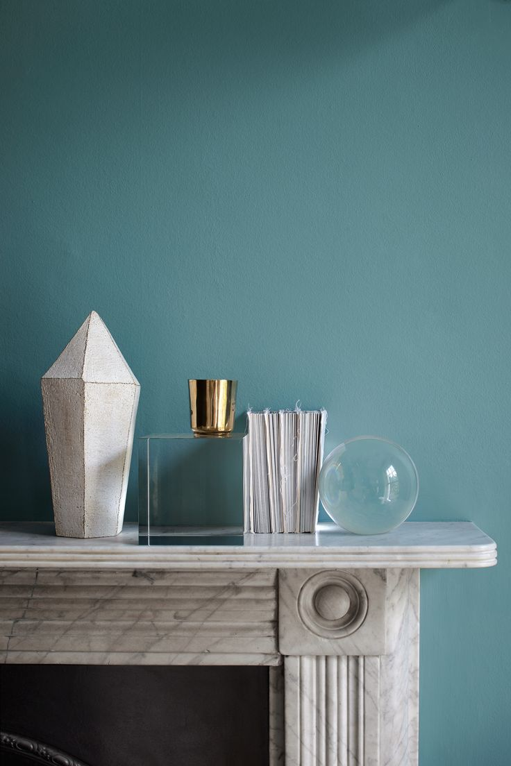 Blue has timeless appeal, which is why we have 18 shades in the blue spectrum in our Heritage range. Maritime Teal's soothing green-blue hue will bring a breath of fresh air to spaces, whether they're period, contemporary, or a little bit of each.