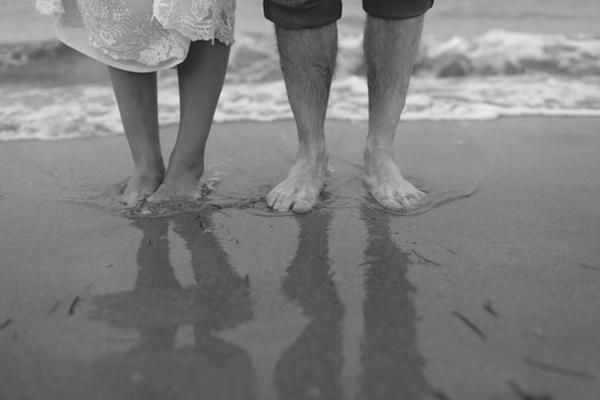A Lighthouse Wedding: Beaches Couple, Beaches Portraits, Beaches Photo, Photo Ideas, Pics Ideas, Beaches Wedding Feet, Couple Shots, Beaches Wedding Portraits, Photography Pos