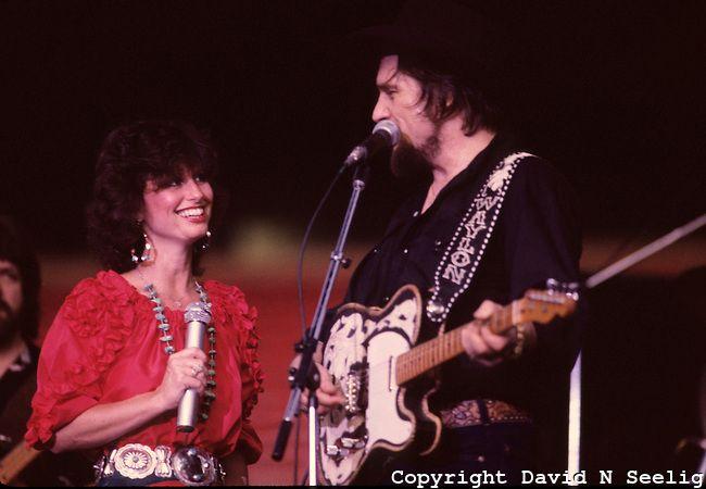 Waylon Jennings and Jessi Colter | Waylon Jennings and Jessie Colter at the Willie Nelson picnic July 3 ...