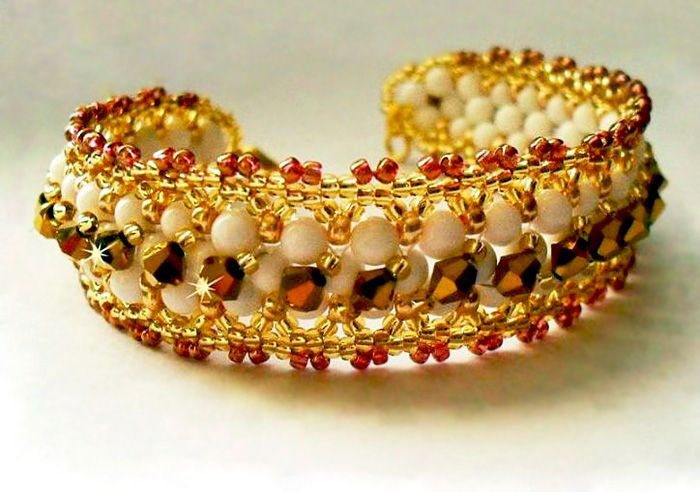 Free pattern for bracelet Sona