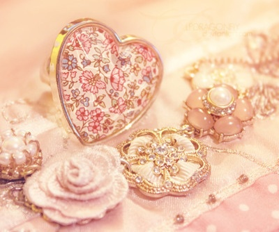 so pinkVintage Flower, Pink Pink Pink, Vintage Pink, Antiques Jewellery, Pastel Pink, Pink Heart, Jewelry Collection, Pastel Fashion, Pink Rose
