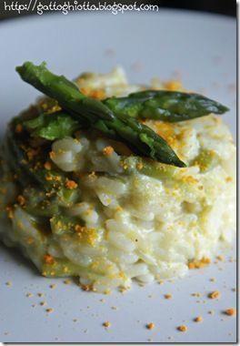 Risotto agli asparagi mantecato alla ricotta e polvere d'arancia - Ricetta Petitchef