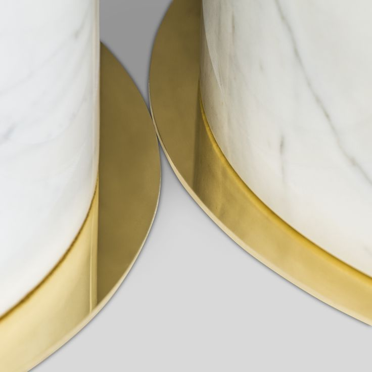 BRAHMAN'S HOME FIVE ELEMENTS - EARTH: STONE / CARRARA MARBLE taken from SEXTO coffee table  #BrahmansHome #BrahmansFiveElements #Brahmans #Design #Interiordesign #crafts #luxury #details #stone #metal #gold #marble #carrara #inspirations #homeinspirations