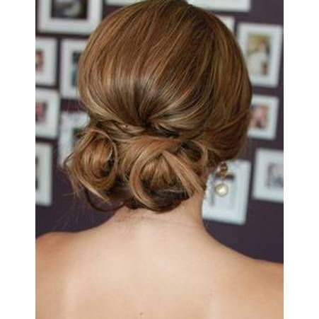 1000 ideas about chignon bas on pinterest couleur de cheveux tendance chignons and coiffure