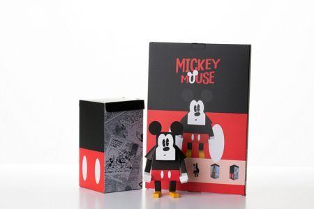 Geekstra.com'dan MOMOT Disney Paper Toyz! Mickey Mouse