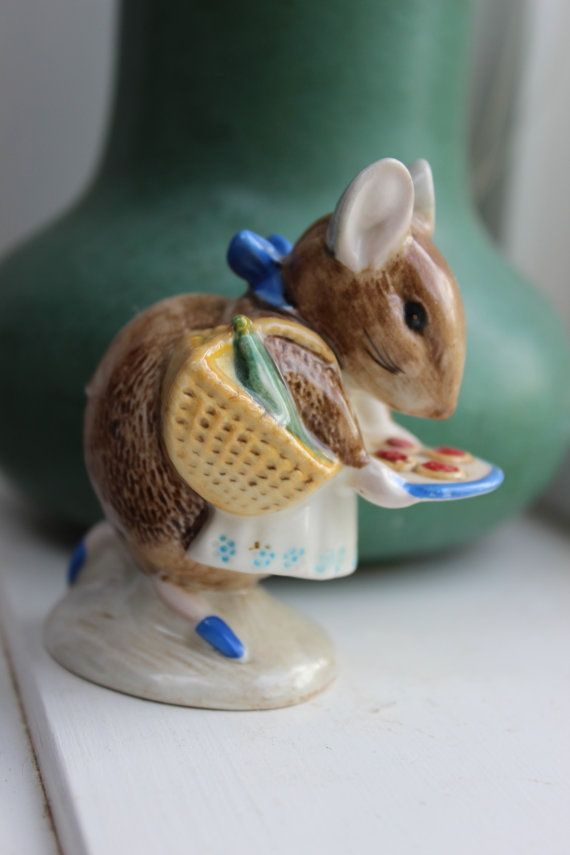 Beatrix Potter Beswick England BP-3b Appley Dapply Porcelain Figurine