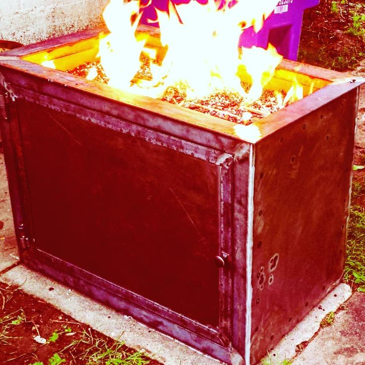 I build #firepits as well! This one runs on #propane cylinders and can store an extra tank underneath for when you run out. This one has a #rusted #patina. DM me for a truly #custom and #unique #design for your very own. Whether for your #home or #business.  #welding #fabrication #designbuild #art #artistsofinstagram #denver #tig #fire #ambiance #backyard #entertaining #dangerousart