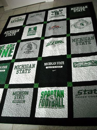 T-shirt quilt layout that would work well when using school t-shirts with school colors.