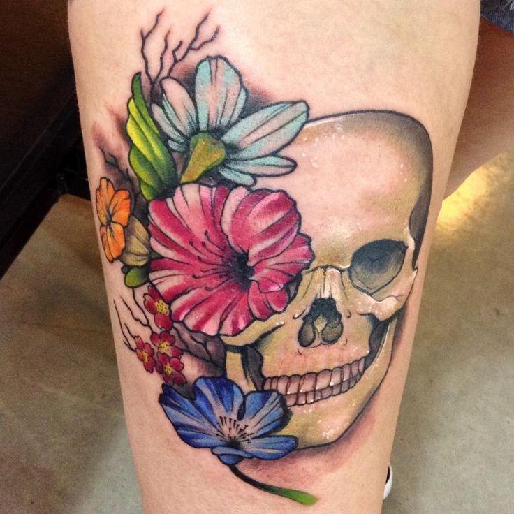 25+ unique Girly skull tattoos ideas on Pinterest | Skull ...