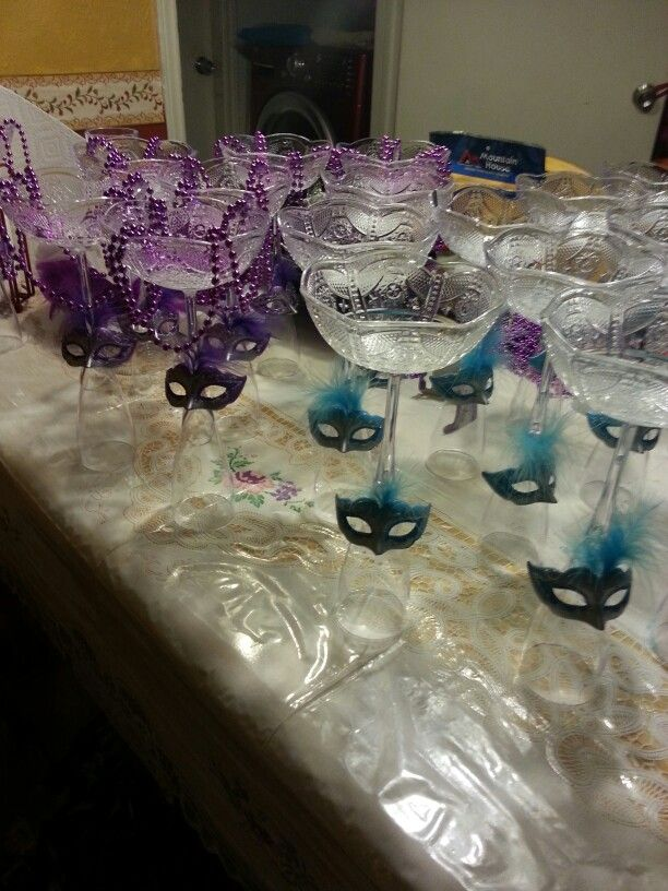 Masquerade table centerpeices that won't break the bank.