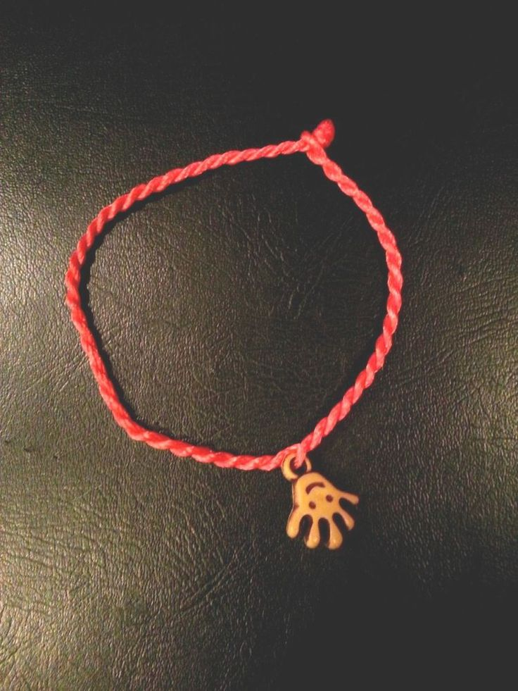 RED KABBALAH STRING BRACELET WITH GOOD LUCK HAND , EVIL EYE LUCKY JEWELRY