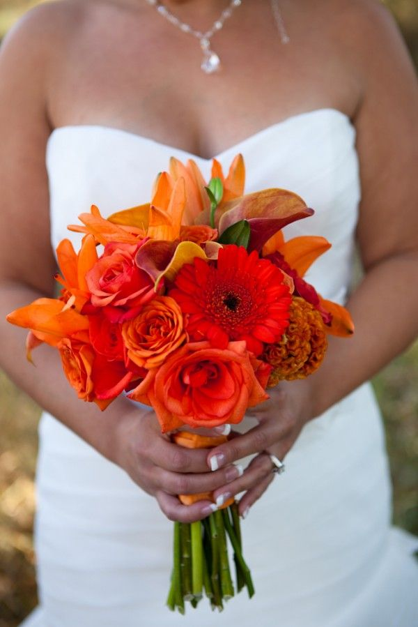 Bouquet for the fall time. Different shades of orange. Debbie Wong Photography, Calgary wedding photography, www.debbiewongphotography.com