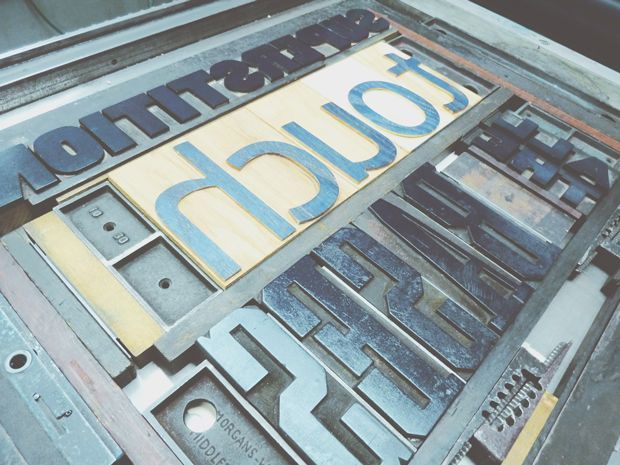Holy Heck es una amante de la tipografía.
