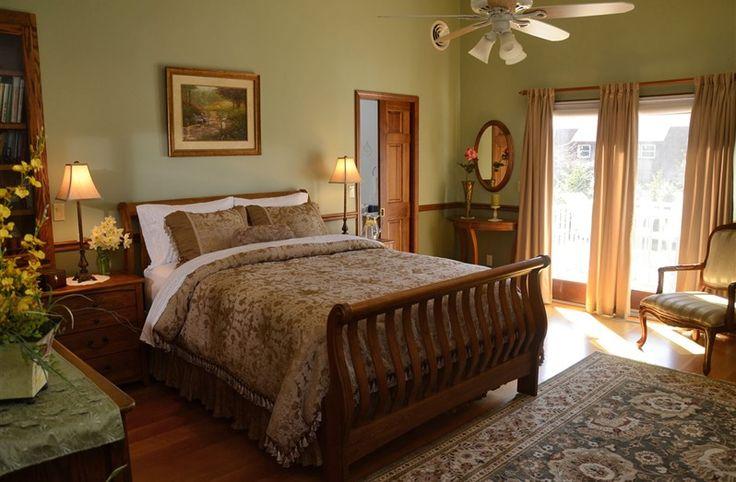 Dove Nest Bed and Breakfast in St. Joseph, Michigan | B&B Rental