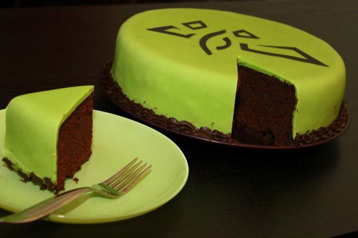 Ingress Enlightened Cake for hubby - Chocolate Mud Cake inside #Ingress #Enlightened