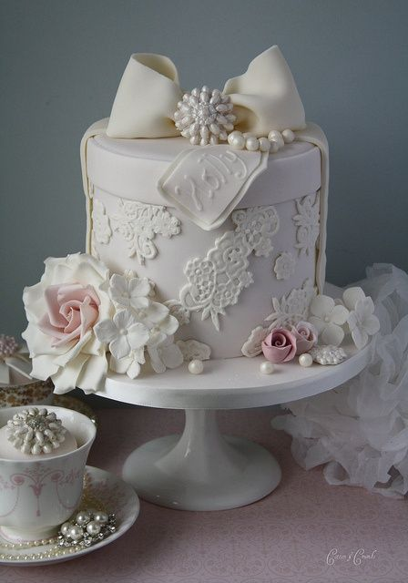 Fondant Cake Decorating ♥ Lace Hatbox Wedding Cake With Edible Sugar Roses and Pearls by Cotton and Crumbs