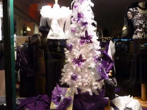 Downtown Oakville Christmas Windows  #oakvilleontario  @oakvilleontario