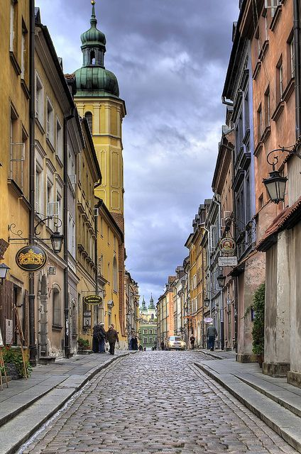 A shot of Piwna Street in Warsaw's Old town.