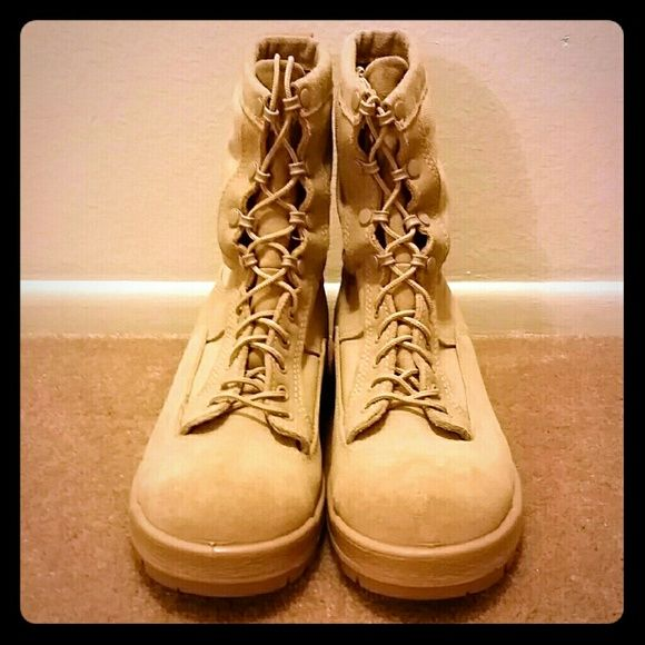 Men's military combat boots U.S. Military desert combat boots for men  Bates Gore-Tex for winter NEW never worn. size 8.5 W Bates Shoes