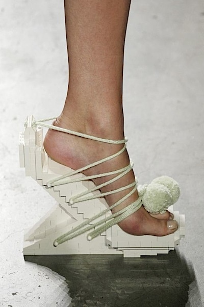 Lego Shoes - architectural fashion; sculptural footwear design; alternative materials; shoe art // Winde Rienstra