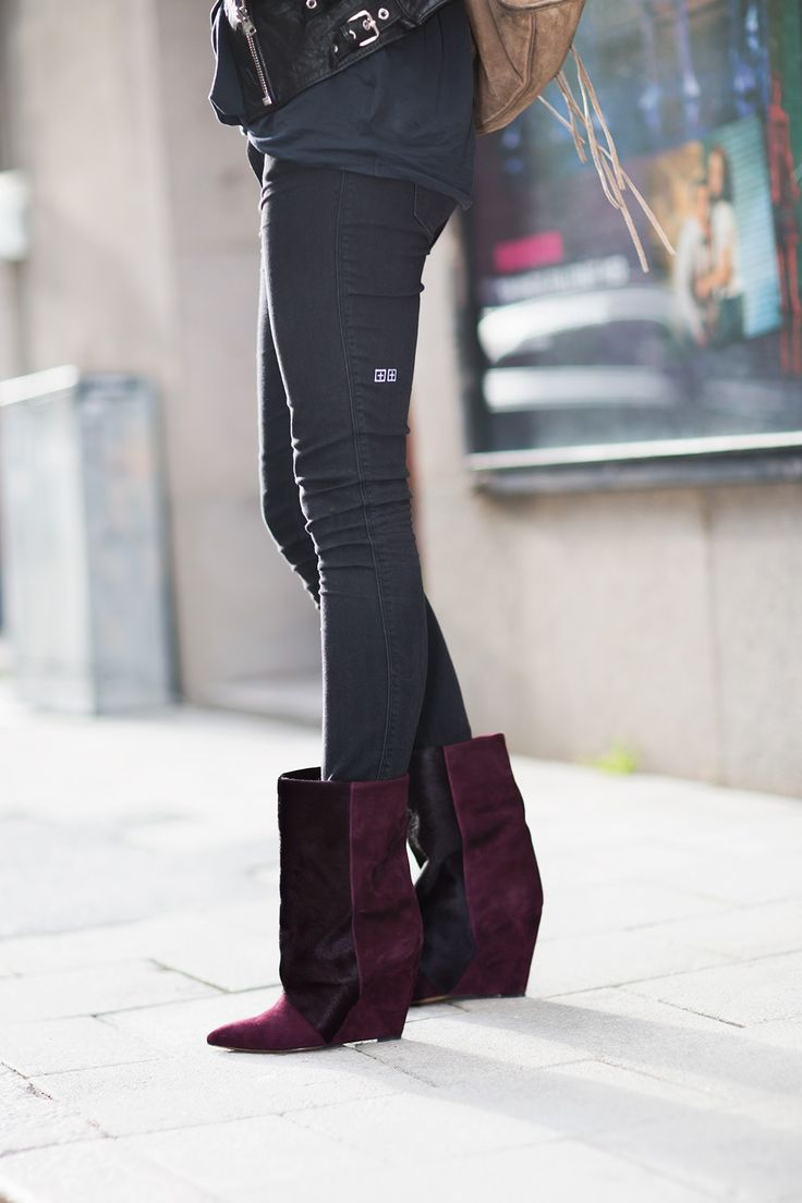 killer boots for #fall.Shoes, Isabelmarant, Street Style, Marant Boots, Fall Fashion, Fall Boots, Isabel Marant, Wedges Boots