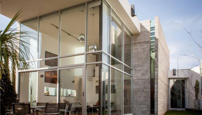 Grandi vetrate e facciate continue, perfette per negozi, case e ville. Tante curiosità e una serie di aziende di Milano specializzate in progetti di questo tipo in questo articolo.