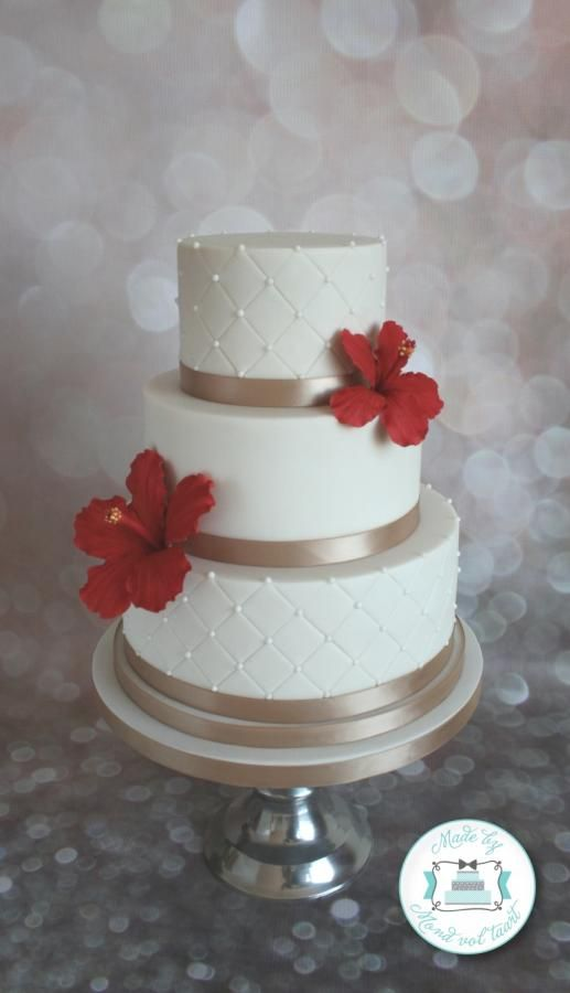 Hibiscus wedding cake by Mond vol taart - http://cakesdecor.com/cakes/206762-hibiscus-wedding-cake