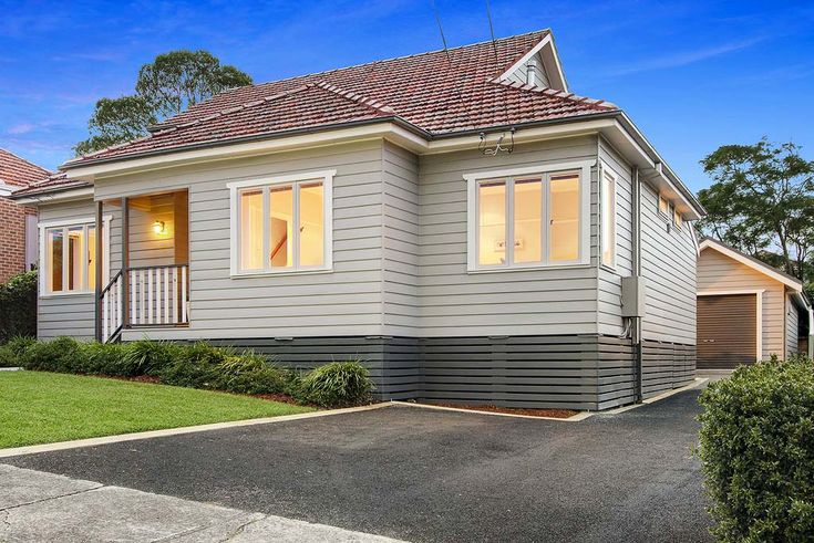 1950 39 s weatherboard renovations google search outdoor for 90s house exterior