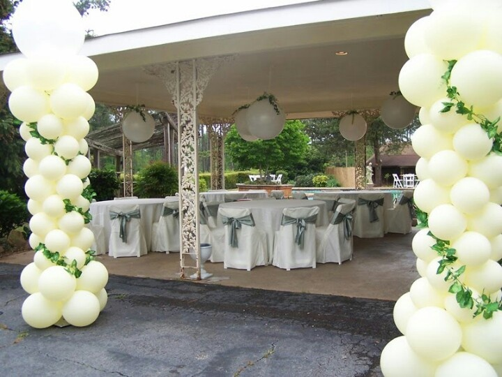 Balloons with vines look great