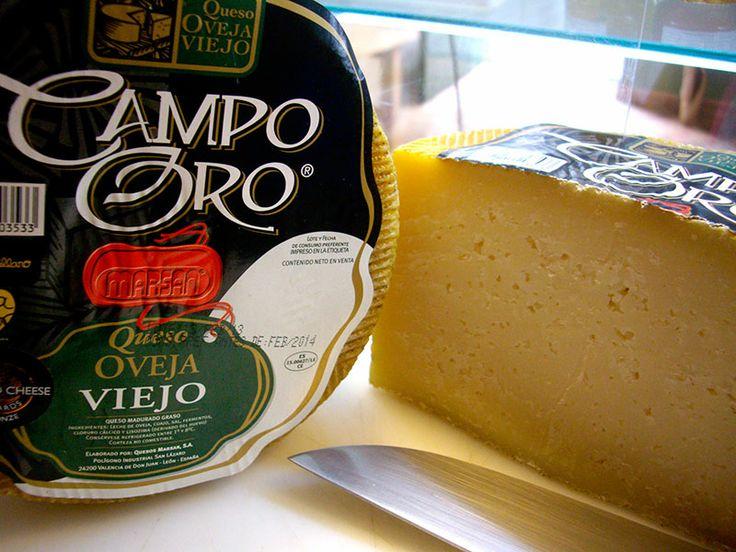Medalla Bronce 2012 AWC. Es un queso Puro de Oveja viejo que por su proceso de curación ofrece un sabor y aroma intensos a la vez que una textura muy agradable al paladar