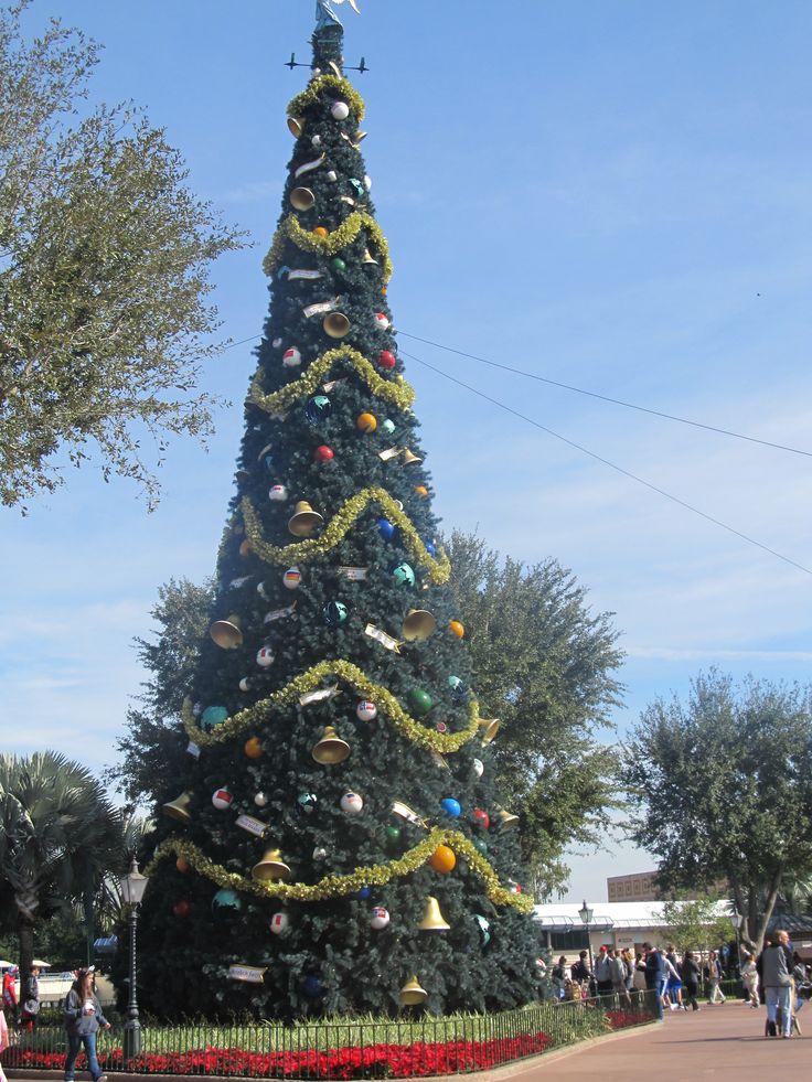 christmas tree at Epcot center, christmas 2k12