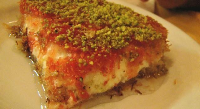 Καταΐφι σιροπιαστό με τυρί κρέμμα!