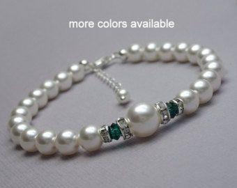 Emerald Green Bracelet, Swarovski White Pearl and Emerald Crystal Bridesmaid Bracelet, Dark Green Wedding Bracelet, Gift for Mom