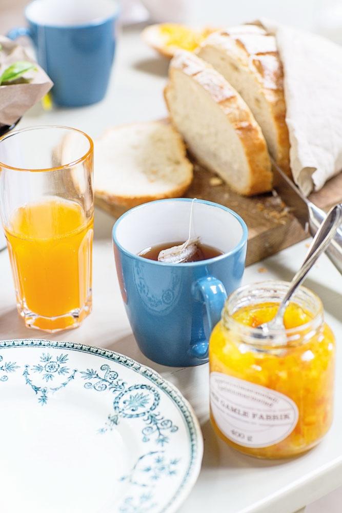 Breakfast in bed - J.F. by Finlayson